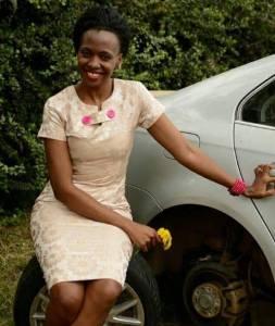 婚禮當天被強姦,29天後喪夫,感染艾滋被罵巫婆,如今……