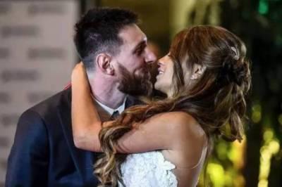 30歲的梅西娶了9歲那年的青梅竹馬!最好的愛情不過是從牽手到白頭……
