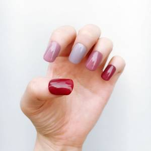雖然紅很久 但就是美到不厭倦,乾燥玫瑰系指彩的7種提案。