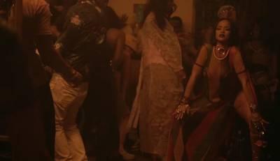 這才是真正把蕾哈娜踩在腳底下!Stance X Rihanna 聯名襪翻玩Bad Girl Riri經典造型
