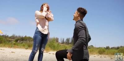這位國外網紅,常在IG放上惡搞家人的影片,最近她想跟女朋友求婚,做出超甜蜜安排