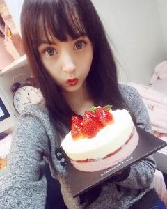 20歲萌妹子每天上「日本蘿莉妝」網友爭著當男朋友,但是「卸妝後的樣子」卻讓大家看呆了