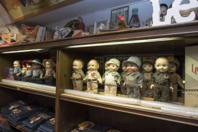 原宿街頭的牛仔大叔,他的收藏從來都不是潮流那麼簡單
