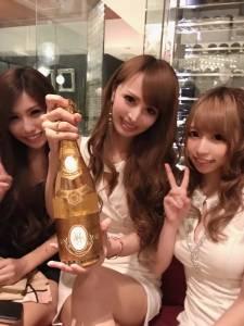 陪酒小姐,為何成了日本女孩最嚮往職業之一