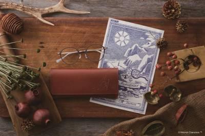 MeFashion 嚕嚕米化身文青 推出JINS聯名款眼鏡和皮革眼鏡盒