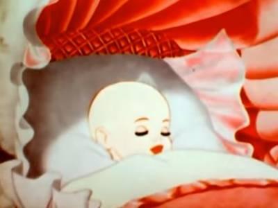 盛產童話的迪士尼,70年前居然拍了一部大姨媽片子,播給億萬姑娘看