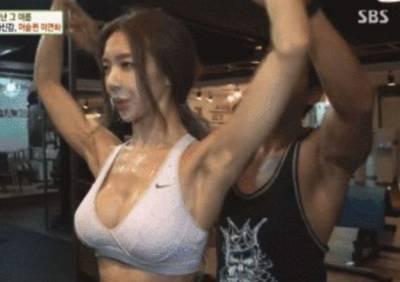 女生應該鍛煉出肌肉嗎?感受一下這個韓國女生的魔鬼身材...