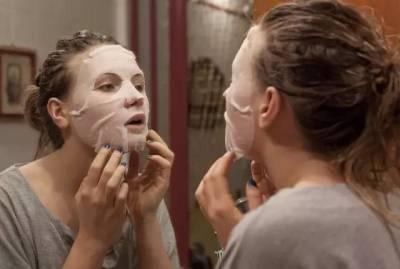 面膜撕開直接往臉上貼?幾乎所有人都做錯了,難怪面膜再貴也沒有用!
