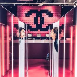 香奈兒在東京限定的遊戲餐廳 女孩的夢想就是各種彩妝免費夾