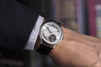 【錶誌專欄】手錶的品味學02:內斂與外放之間——寶璣Classique 5377超薄陀飛輪自動腕錶