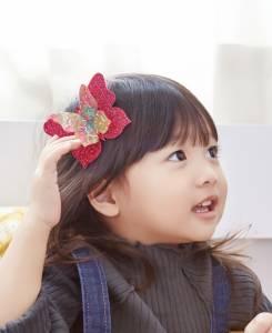 蝴蝶在頭髮上翩翩飛舞!替寶貝親手做出《璀璨立體蝴蝶髮夾》,回家幫女兒裝扮一下...