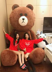 台灣地區限時!限定!限量!雙胞胎女團「By2」慶祝自創品牌成立一週年,「快閃」來台會粉絲