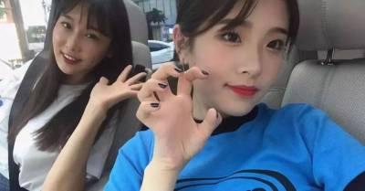 韓國50歲美女牙醫爆紅網絡,沉迷自拍遭女兒投訴,網友替她喊冤:自拍太少!