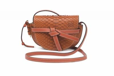 入秋又是換包的季節!跟著這6大趨勢買包,妳就是走在時尚尖端的時髦人士