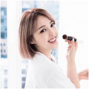 明明有試用,為何還是買到雞肋美妝品?專業彩妝師幫你解密這4種彩妝,「這樣試」才正確!