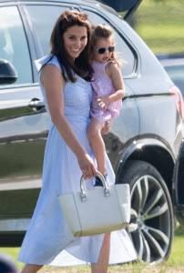 你以為皇室成員都一定穿名牌?凱特王妃 梅根馬克爾都穿過的5家「平價品牌」帶起搶購熱潮~