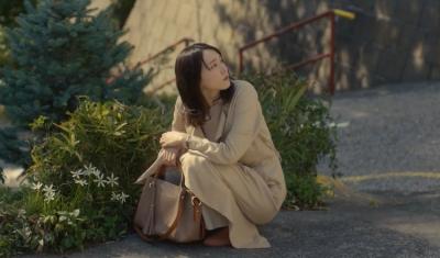 新垣結衣當苦命OL還這麼美?原來是這款千元小資包救了她!