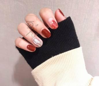2019紅色美甲推薦!適合春天的5變化,超特別不易撞,手指還超顯白
