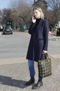 BV編織包不時尚了?預測2019年IT Bag:時尚名人都背這款「棋盤格」包