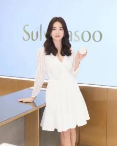 宋慧喬 劉仁娜日常穿搭都買「這一家」?這個輕熟女必備的品牌,台灣也買得到!