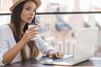 過度美白 看電腦都會長斑?拒當「雀斑妹」日常要注意這5個壞習慣
