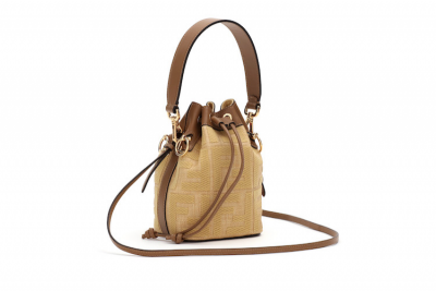 2020年最夯包款!LV Chanel Gucci...耐裝 容量大又不退流行的10款「水桶包」推薦