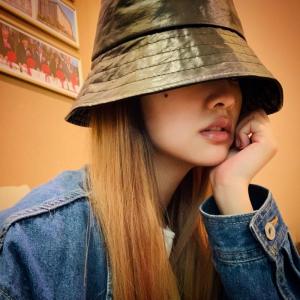 跟著楊丞琳搭配帽子!毛帽 漁夫帽...5 種帽型穿搭,不想天天洗頭也能美美出門又有型!