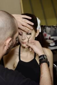 用睫毛膏創造假睫毛的錯覺!10個刷睫毛的小撇步