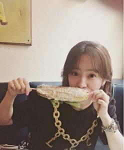 韓妞都在測!韓網瘋傳「吃玉米」超快速心理測驗,從哪裡下嘴啃看出你的人格特質