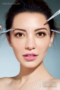 女孩必看 不要再把眉毛畫成海苔了,絕對無誤的臉型畫眉教學