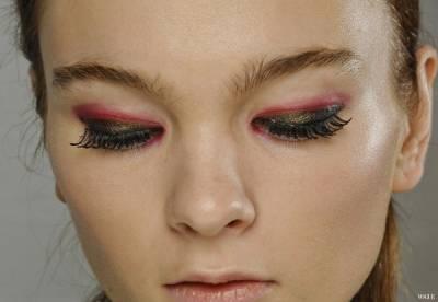女孩注意!10種讓男人倒彈的常見美妝錯誤