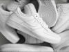 小白鞋推薦這6款最經典!Nike Adidas兩強對決,Dcard網友淚推:「這輩子一定要有一雙!」