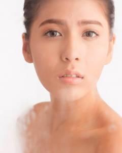 運用洗顏卸妝新概念 打造妳的美肌全盛期! VOCE美妝時尚國際中文版