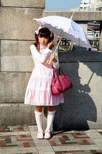 Pollster波仕特線上市調:防曬乳!撐傘!遮蔽衣物!防曬用哪招?