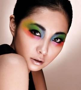 黃皮膚美女化妝時選對色彩很重要!