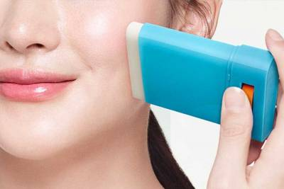 塗抹不沾手的《防曬棒》絕對必備!美肌X防曬X易攜帶,成夏季紫外線剋星|防曬棒推薦