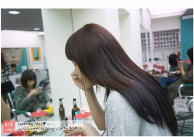 ●變髮│初嘗試的雙色染髮,咖紅+深紫!台北:GENIC。設計師:Cherry