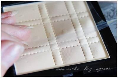 昏暗燈光也可以輕鬆補裝的~iwish雅威斯 3D晶透二用粉餅
