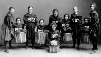 永遠不要小看女人!這25張驚人的照片印證著女性如何創造曆史。