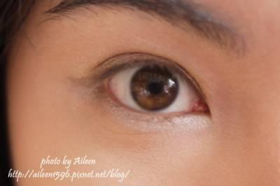 有些時候單色眼影才是王道~~這樣比較不浪費