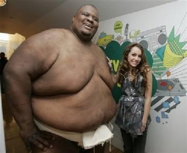 跌破眼鏡!美女為什麼選胖男人做老公 !