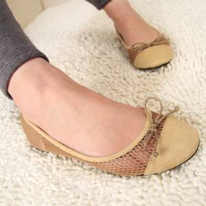 Pollster波仕特線上市調:超過五成民眾上班慣穿布鞋