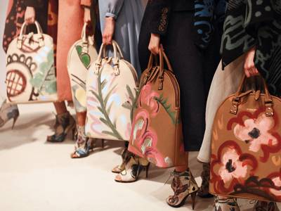 秋冬配飾新亮點:包裝藝術時尚