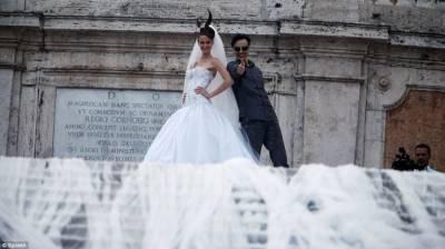 義大利展示世界最長婚紗綿延3公里