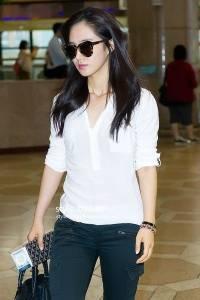 少女時代混搭基本款白襯衫