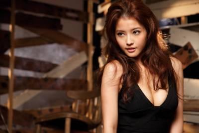 演出電影《露西》網友關注 王樂妍苦熬多年等上位機會│GQ瀟灑男人網
