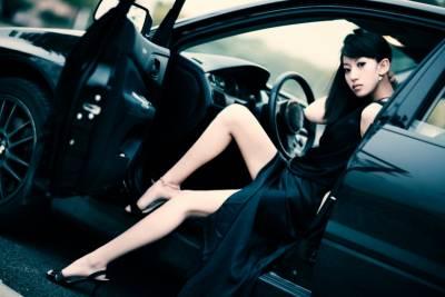 妳是我用房子跟車子換回來的女人,女人可以務實但不能現實…