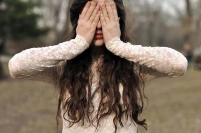 難以溫熱的心,不值得疼;不知珍惜的人,不值得等。