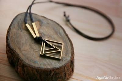 那一條銅項鍊,是我們錯過的真愛