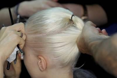 髮型師說:千萬別用橡皮筋綁馬尾,因為……